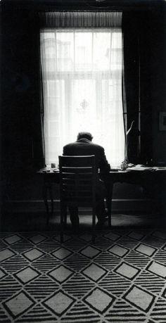 chagalov: Heinrich Böll, ca 1960 -by H. Schuhmacher from van-ham Carl Jung, Floor Patterns, Textile Patterns, Heinrich Böll, Black N White Images, Black And White, Von Kleist, Writers And Poets, Photo Composition
