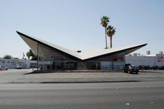Googie architecture: a subdivision of futurist modern architecture influenced by car culture, jets, the Space Age, and the Atomic Age. Futuristic Architecture, Amazing Architecture, Art And Architecture, Google Architecture, Architecture Interiors, Renzo Piano, Ludwig Mies Van Der Rohe, Zaha Hadid, Philip Johnson