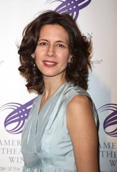 """""""BeautyScoop starts you feeling healthy and good about your body because you know the ingredients are so pure. Suddenly, your skin, hair and nails actually improve-even glow-and it's definitely not just a state of mind! BeautyScoop is really the inside out approach that we all hope for."""" ~ Jessica Hecht, Film, Theater and Television Actress"""