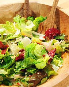 "great idea for a ""winter produce"" salad Radicchio and Endive Salad with Oranges, Fennel, and Pomegranate Seeds - Martha Stewart Recipes Fennel Salad, Beet Salad, Food Salad, Vegetarian Recipes, Cooking Recipes, Healthy Recipes, Healthy Salads, Yummy Recipes, Vegetarian Food"