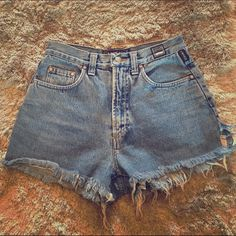 Versace Jean shorts Versace Jean Shorts, Euro size 30, measurements taken flat waist 13 inches (so approximately a 26 in waist), approximately 12 inches, approximately 2 1/2 to 3 inches of a side slit, zipper works. Versace Shorts Jean Shorts