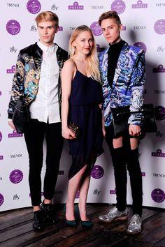 Awards, Kimono Top, Model, Blog, Pants, How To Wear, Tops, Fashion, Mathematical Model