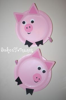 We made these pigs from paper plates. The girls were given pre-cut pieces for eyes, feet, ears, and nose, as well as a pre-curled pipe-c. Paper Plate Art, Paper Plate Animals, Paper Plate Crafts, Paper Plates, Farm Animal Crafts, Farm Crafts, Animal Crafts For Kids, Art For Kids, Dinosaur Crafts
