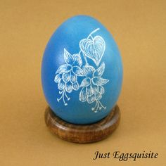 Pysanky Pisanki Ukrainian Polish Easter Egg Blue Fuschia Hand Decorated Chicken Egg Skrobanki Drapanki Dryapanky Scratch Technique