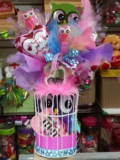 Yg vn Valentine Baskets, Valentine Crafts, Valentines, Fiesta Decorations, Balloon Decorations, Candy Bouquet, Balloon Bouquet, Love Gifts, Diy Gifts