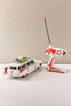 Slide View: 2: Ghostbuster's Ecto-1 Ghost-Chaser RC Car