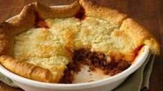 Zesty Italian Crescent Casserole recipe and reviews - Ground beef wrapped in crescents makes this flavour-packed pie simple and quick to prepare.