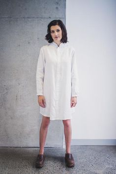 """Haiku adds a touch of Asian style to your wardrobe. Our modern take on the mandarin collar is paired with elegant bracelet length sleeves, making Haiku suitable for both casual and formal occasions.Haiku can be made as a dress or a shirt. Recommended fabrics:   145cm (57"""") wide:      Sizes 2 to 8 - 1.7m (1.9yds)    Sizes 16 to 24 - 2.1m (2.3yds)   Linen, Double Gauze, Shirting, Tencel Sizes: US 2 - 24 