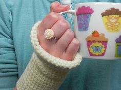 Now on the blog! Perfect for beginners: Simple Tunisian Crochet Gloves - by Creatively Inclined