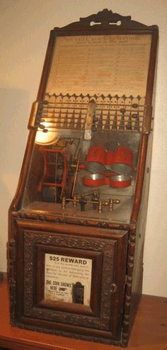 Old Antique Clawson Dice slot machine trade stimulator wanted gambling Mills Pippin I Will On the Square Level
