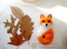 Купить Брошь Лисичка - сестричка лисица валяная из шерсти - рыжий, брошь лиса, брошка лиса