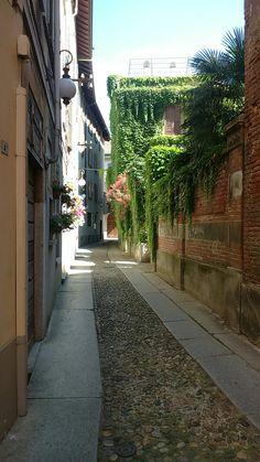 Scorcio del centro storico di Novara.