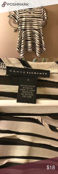 GRACE ELEMENTS Cute tunic Fitted at waist, great with leggings or skinny jeans. EUC Grace Elements Tops Tunics