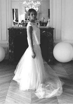 """Ensemble de mariage """"Virginie et Laëtitia"""" créé par Elise Hameau, composé d'un top en dentelle, d'un débardeur en satin, d'un jupon en satin et tulle."""