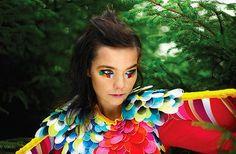 Björk keert terug met multimediaal project Biophilia, liveshows in Manchester   Kicking the Habit