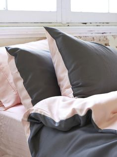 Ettitude Organic Bamboo Lyocell Frankie Colourblock Pillow Case Set - Cloud Pink and Grey
