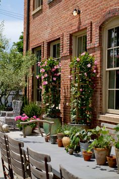 Milly De Cabrol & Ani Antreasyan, Holiday House Hamptons 2014 eclectic-exterior