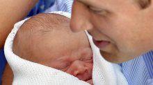 """Jetzt geht es mit dem """"Royal Baby"""" nach Hause: Kate und William präsentieren ihren Sohn - n-tv.de"""
