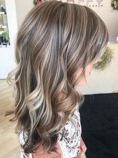 28 Real Cool Hair Color Ideas You Need to Try in 2019 Modern Beige Bronde Highlights & Hair Color Id Brown Ombre Hair, Light Brown Hair, Brown Hair Colors, Which Hair Colour, Cool Hair Color, Fall Blonde Hair Color, Non Blondes, Bronde Hair, Hair Color For Women