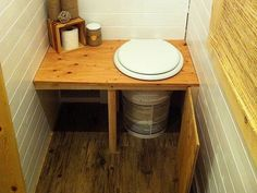 Links to photos of the Tiny Tack House bathroom construction and details. Kombi Motorhome, Composting Toilet, Bungalows, Tiny House Bathroom, Outdoor Kitchen Design, Tiny House Living, Bus Living, Tiny Spaces, Wet Rooms