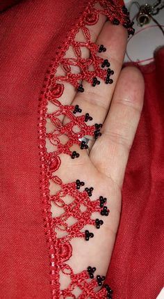 Crochet Borders, Crochet Top, Creative Embroidery, Needle Lace, Boho Tops, Crochet Fashion, Scarf Styles, Crochet Clothes, Tatting