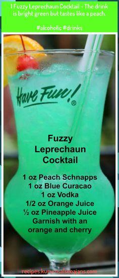 Fuzzy Leprechaun Cocktail - An easy green cocktail that tastes delicious! - Fuzzy Leprechaun Cocktail – An easy green cocktail that tastes delicious! This Fuzzy leprechaun - St Patrick's Day Cocktails, Cocktail Drinks, Cocktail Recipes, Cocktail Movie, Cocktail Sauce, Cocktail Attire, Cocktail Shaker, Green Cocktails, Dinner Recipes