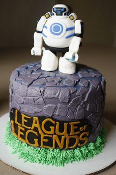 League of Legends.   Blitzcrank.  iBlitzcrank. Video Games, Boys Cakes.  Birthday Cakes