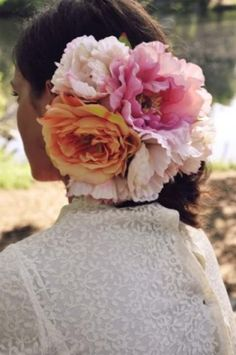 Oversized Flower Crowns / Wedding Style Inspiration / LANE (PS follow us on Instagram: the_lane