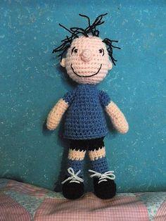 Pigpen from Peanuts amigurumi doll pattern by Cecilia - Siempre Josefina Crochet Doll Pattern, Crochet Dolls, Crochet Patterns, Crochet Clothes, Amigurumi Patterns, Amigurumi Doll, Doll Patterns, Crochet Crafts, Crochet Projects