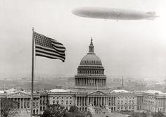 amazing historical photos/ Zeppelin balloon over the Capitol Building in Washington.