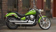 drool...  (green motorcycle Kawasaki-Vulcan-900)