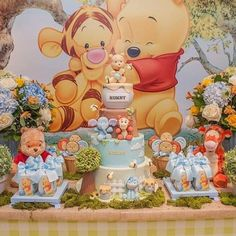 What a desert table ! Totally in love for this Winnie the Pooh party ! Come with us to hundred acre wood party! Winnie The Pooh Themes, Winnie The Pooh Birthday, Baby Boy First Birthday, Girl Baby Shower Decorations, Baby Shower Themes, Baby Boy Shower, Shower Ideas, Pooh Baby, Deco Disney