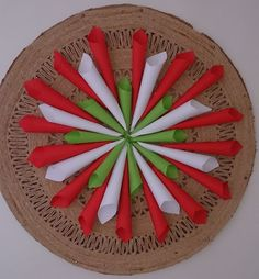 Independence Day Decoration, India Independence, Diy And Crafts, Crafts For Kids, Arts And Crafts, Paper Crafts, Crochet Circles, Republic Day, Classroom Decor