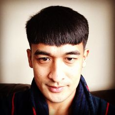 50 Stunning Bowl Cut Designs - For Stylish Men Boy Haircuts Short, Bowl Haircuts, Haircuts For Men, Quiff Hairstyles, Cool Short Hairstyles, Fringe Hairstyles, The Quiff, Get Thicker Hair, Fringe Haircut