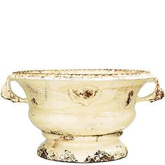 Vietri Large Cream Low Planter: Vietri Large Cream Low Planter.Handmade of terra cotta in Tuscany, each Rustic Garden piece is covered in vibrant glazes with an aged patina as if it was plucked from an Italian villa! Suitable for indoor/outdoor use. 17.5