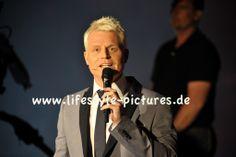 Hochzeiten-Events-Authorisierter Fotograf des Standesamtes in Baden-Baden: Verstehen Sie Spass am 12.04.2014 in Karlsruhe