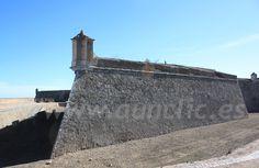 Muralla abaluartada del Forte de Santa Luzia de Elvas. Alentejo, Portugal.