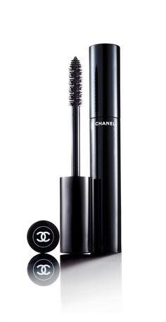 Chanel : I bough this in plum & green so pretty.Lashes look superb.Works on all eyes, mine are hazel/lite green. Beauty Bar, Beauty Makeup, Beauty Tips, Eye Makeup, Beauty Hacks, Chanel Makeup, Best Face Products, Makeup Products, Make Up