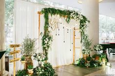 Wedding backdrop photobooth decor ideas for 2019 Vintage Wedding Backdrop, Rustic Wedding Backdrops, Wedding Reception Backdrop, Vintage Wedding Theme, Wedding Centerpieces, Diy Backdrop, Photo Booth Backdrop, Flower Backdrop, Photo Backdrops