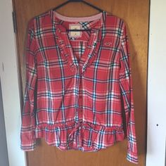 Hollister Flannel With Front Tie So cute absolutely loved this top when it for me! Only worn a couple times. Hollister Tops