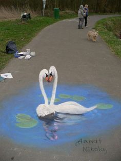 Nicholas Arndtlives in Germany. Sometimes, he works with crayons and paint directly on thesidewalks.