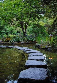 Butchart Gardens, Victoria, Canada - photo by @TravelMamas ColleenLanin ColleenLanin