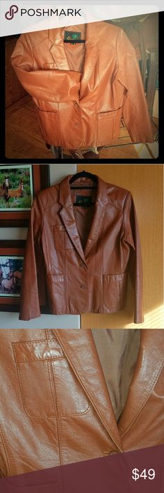 Leather Blazer-Jacket, Butter-soft! Rich saddle-tan colored, 100% real leather exterior, fully lined in satin, with one interior pocket & 2 exterior pockets.  The leather is buttery-soft & in BEAUTIFUL condition.  The only flaws I could find were subtle, tiny wear-rubs on the inside of the right arm (Picture #7) & on the inside of the right cuff bottom (Picture #8).  Shoe polish will easily hide them. 🌹  This is not a 'western' name-brand jacket, but can go western very easily.   ** Size…