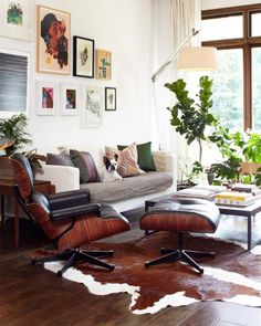 10 Young Clever Ideas: Vintage Home Decor Living Room Simple vintage home decor inspiration bohemian.Vintage Home Decor Romantic Beds vintage home decor romantic beds.Old Vintage Home Decor. My Living Room, Home And Living, Living Room Decor, Cow Hide Rug Living Room, Casa Hygge, Lounge Decor, The Design Files, Deco Design, Living Room Inspiration