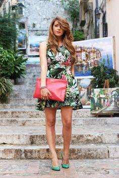 Shop this look on Kaleidoscope (dress, clutch, pumps)  http://kalei.do/WALqp2BCGmfCQe2j