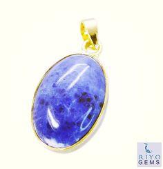 #untreatedrubies #triplemoon #malayalam #mr #cousins #women #riyogems #jewellery #gemstone #handcrafted #imitation #pendant #jasper #multi #muscles #sweden #class #flag #hdr