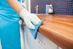 Ultimate list of DIY household cleaning tips, tricks and hacks for the home (bathrooms, kitchens, bedrooms, and more! Spring cleaning here I come! Deep Cleaning Tips, House Cleaning Tips, Cleaning Solutions, Spring Cleaning, Cleaning Hacks, Cleaning Services, Office Cleaning, Cleaning Quotes, Cleaning Grease