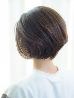 【VIRGO】40代50代 後ろ髪のシルエットも綺麗な大人ショートボブ - 24時間いつでもWEB予約OK!ヘアスタイル10万点以上掲載!お気に入りの髪型、人気のヘアスタイルを探すならKirei Style[キレイスタイル]で。