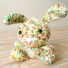 This bunny was made using food coloring dyed yarn. Get the pattern and a step by step tutorial on how to dye your own! Link to allabout ami thanks so xox ☆ ★   https://www.pinterest.com/peacefuldoves/