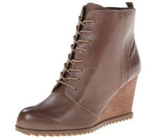Kenneth Cole REACTION Women's Storm Call Boot - 10M